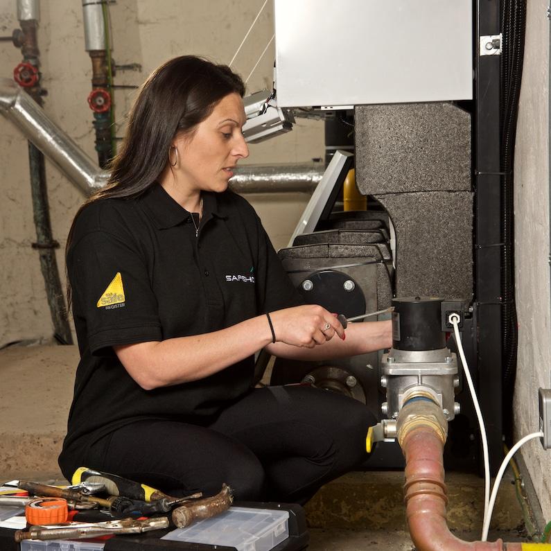 heating engineer in london